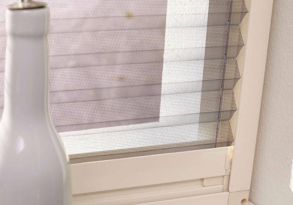 Pollenhor voor raam